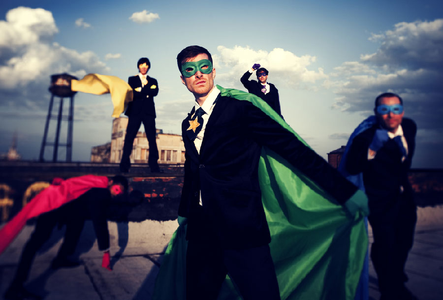 Super-héros sur un toit