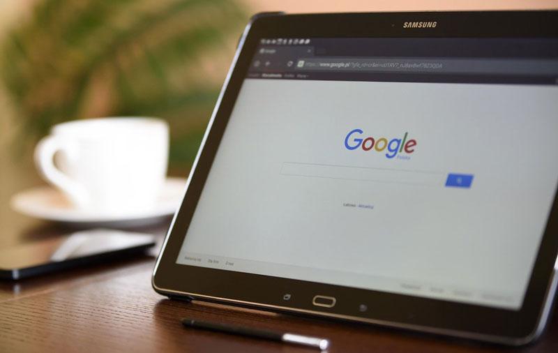 Tablette avec moteur de recherche Google
